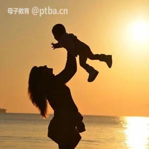 强势的母亲与孩子