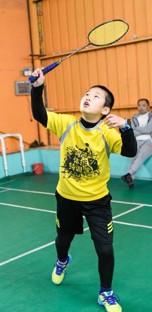 betvictor65小孩子伟德app官网比赛中的图片